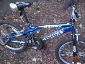 Mongoose Outer Limits Freestyle Blue Boy's Dirt Bike 2 ...