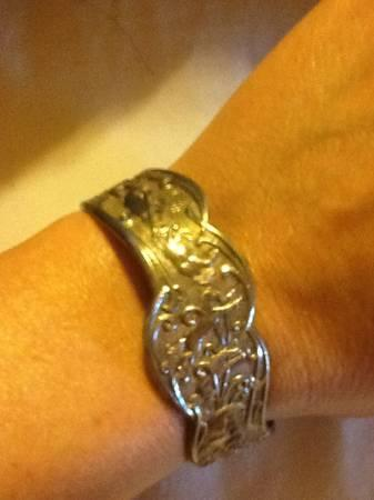 montana silversmith silver bucking horses bracelet for