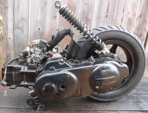 Moped Scooter Engine 49cc Clutch, Belt, Gear Box, Starter, back Tire