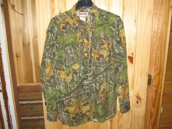 Mossy Oak Obsession long sleeve shirt - $20
