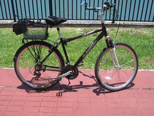 Moving Must Sell 700C Men's Schwinn Solitaire Hybrid