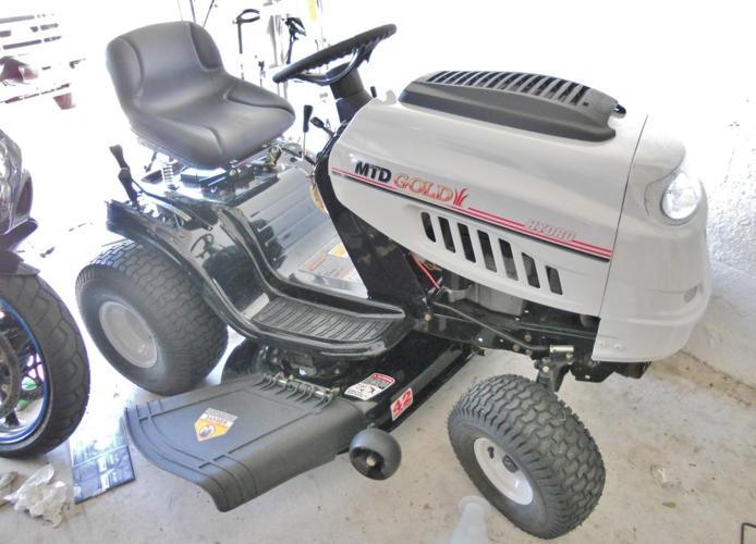 Mtd Gold Lawn Tractor : Mtd gold quot hp year warrenty lawn mower winter