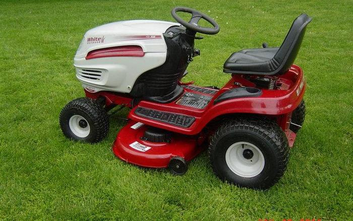 16 Mtd Tractor : Mtd lawn tractor foot hydro h p iggs and stratton