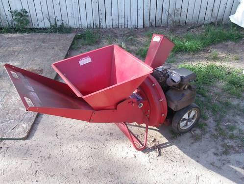 MTD yard machine wood Chipper model 135212 used pick up only working