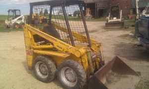 Mustang 320 skid loader - $3500 (Durand)