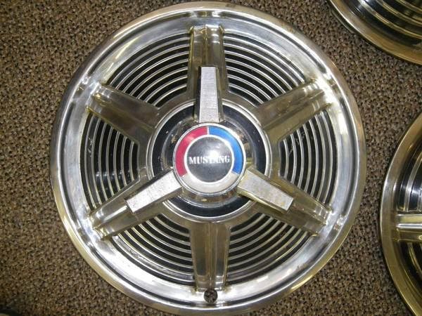 MUSTANG '64-'65 SPINNER HUBCAPS - for Sale in Eagle Rock ...