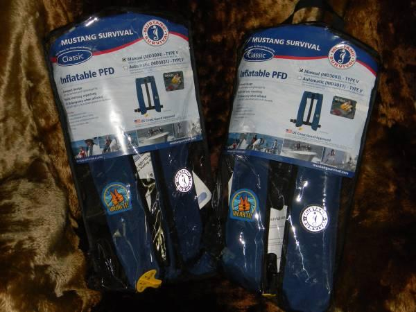 025951e9fb849 Mustang Life Jackets MD3003 Manual Inflatable PFD Navy - for Sale in ...