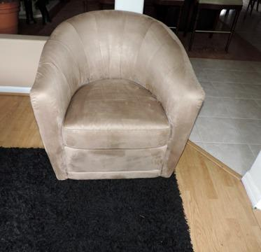 Groovy Natuzzi Mocha Microfiber Barrel Chair For Sale In Saint Squirreltailoven Fun Painted Chair Ideas Images Squirreltailovenorg