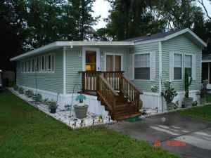 near beautiful ocala horse farms in quiet park with