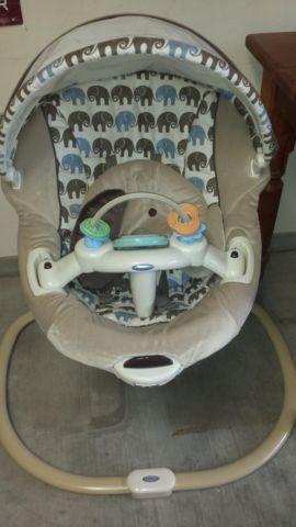 Nearly New Graco Sweetpeace Elefanta Infant Soothing Swing