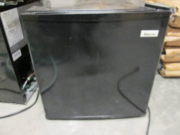 NEW 1.7 Cubic Foot Magic Chef Mini Fridges - $60