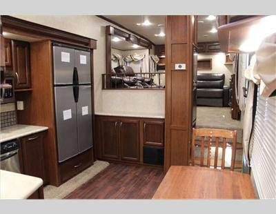 New 2014 Palomino Columbus F370fl For Sale In Hewitt