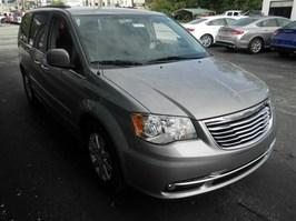 New 2015 Chrysler Town and Country Touring