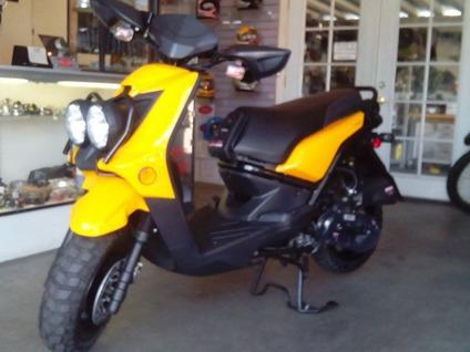 New 50cc Zume Motor Scooter On Off Road Fun For Sale