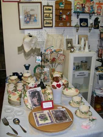 New booth with antiques, vintage and more