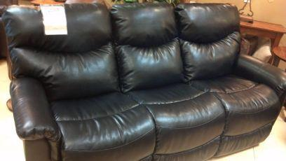 New Couches And Love Seat Lazy Boy Black Leather Reclining