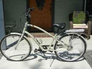 **New Electra Townie Euro 8D** (tulare)