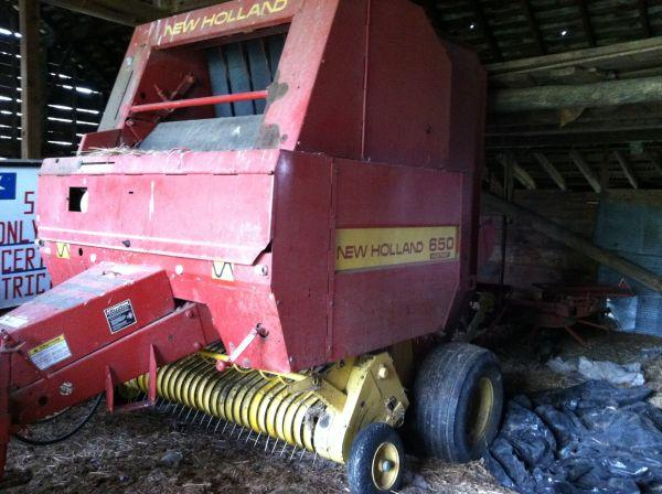 New Holland 650 net wrap - $10500 (Butler/Chicora)