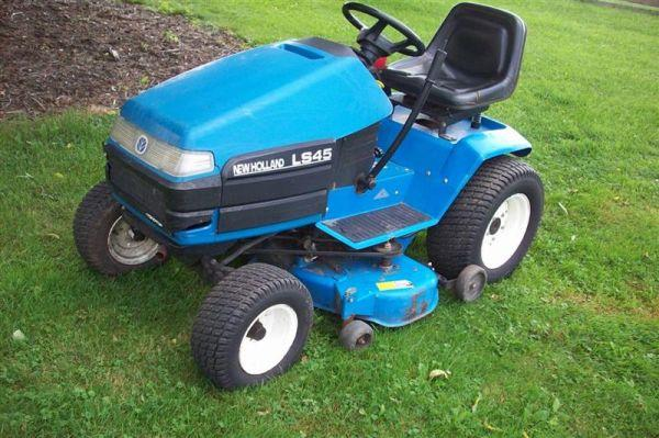New Holland Lawn Tractor   $2595 (Johnstown Area)