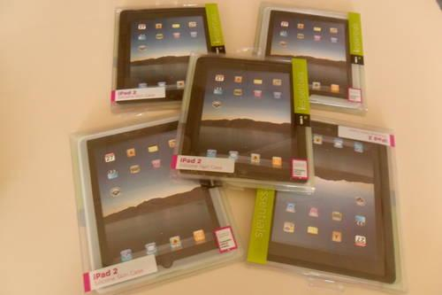 NEW IESSENTIALS APPLE IPAD 2 SILICONE SKIN CASE/ BLACK