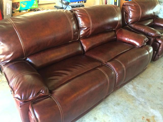 New In Plastic Haverty S Maddux Top Grain Leather Couch
