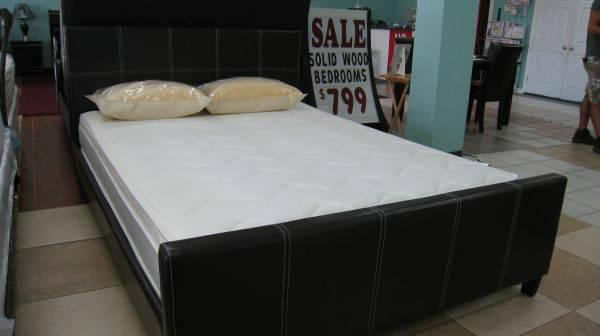 new king size leather bed plus mattress for sale in humble texas classified. Black Bedroom Furniture Sets. Home Design Ideas