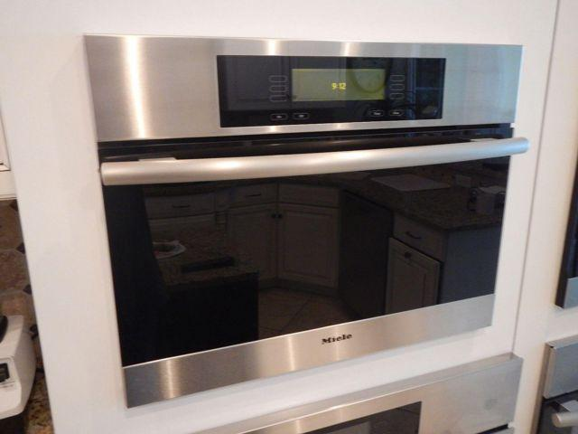 New Miele Stainless Steel And Black 24 Quot Steam Oven Dg4080