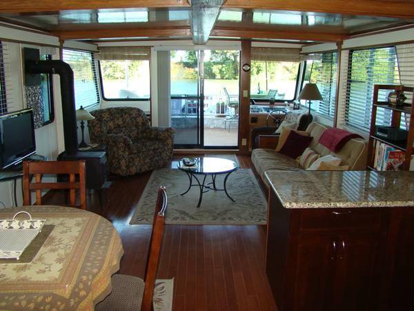 New Price!!! 1998 Funcountry Houseboat 65 Feet -