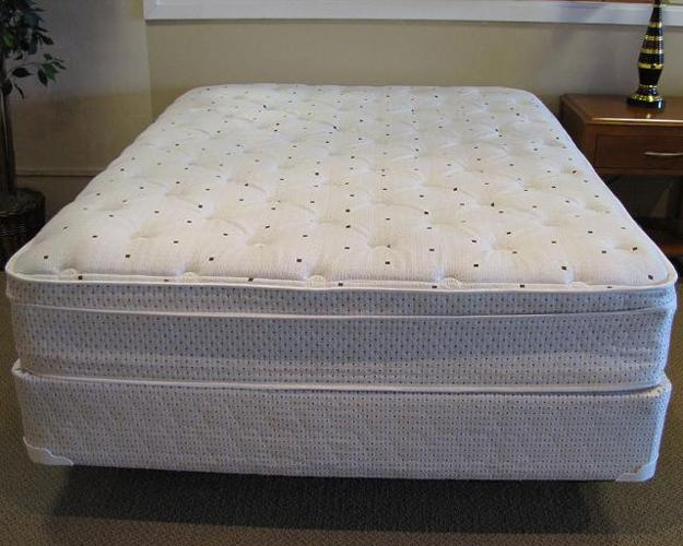 New Queen Memory Foam Pillow Top Mattress For Sale In Chesterfield Michigan Classified