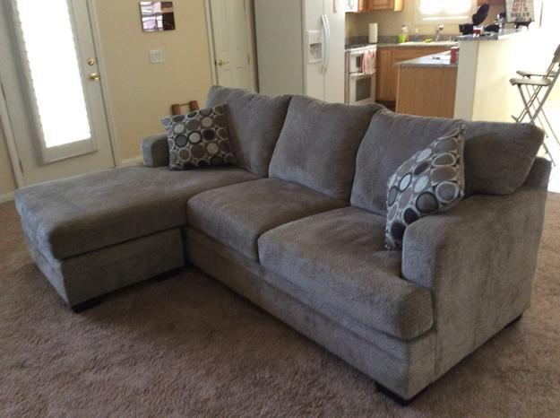 New simmons brand sofa with chaise cushion and chaise base for Simmons sectional sofa with chaise