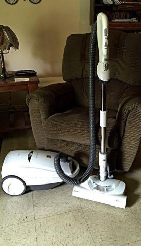 New, unused Kenmore Progressive vacuum cleaner