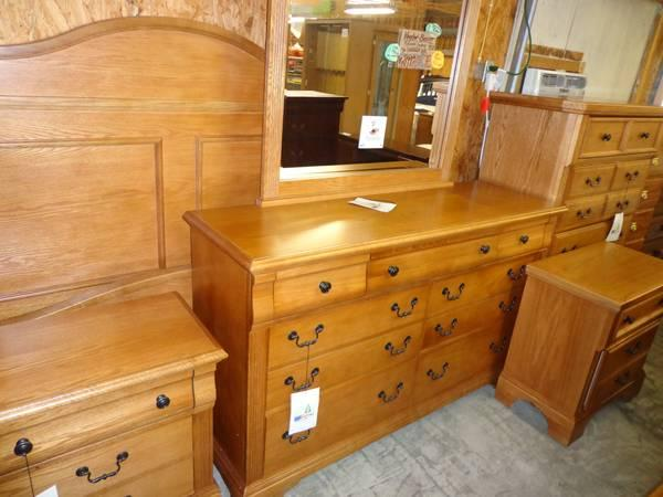 New Vaughan Bassett Queen Size Oak Bedroom Suite For Sale In Zanesville Oh