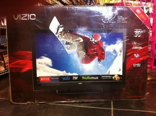 New ViZiO 32 3D 1080P LCD wWiFi Internet NetFlix FullKeyboard in Box