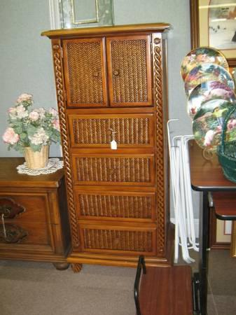 New wicker jewelry lingerie chest perfect size will fit for Lingerie and jewelry chest