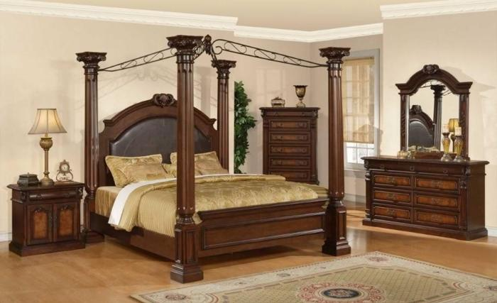 Queen canopy bedroom sets rainwear for Elegant canopy bedroom sets