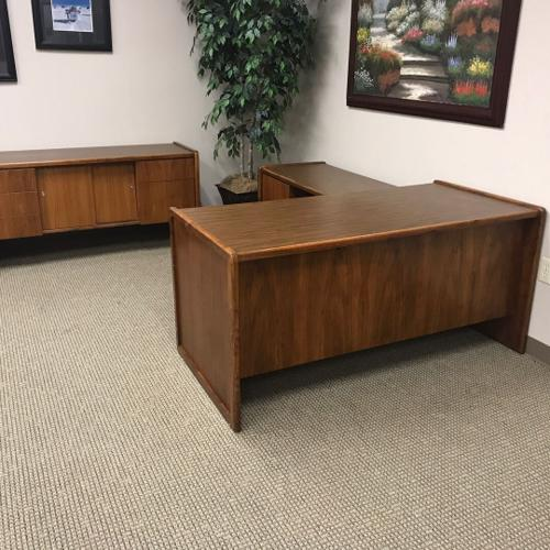 Newer Executive Office Furniture set, including: e