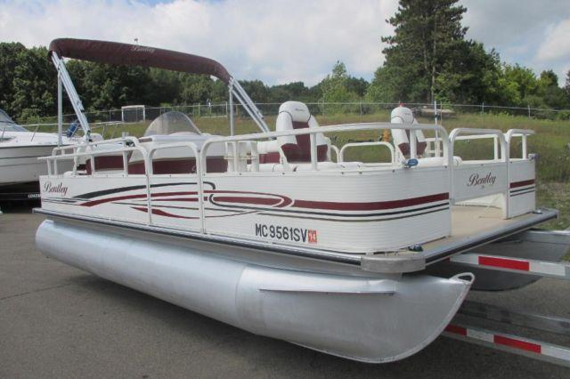 Nice 2005 bentley 204 fish pontoon with a 4 stroke mercury for Nice fishing boats