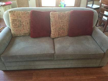 Nice Big Comfy Sofa For Sale In Driftwood Texas