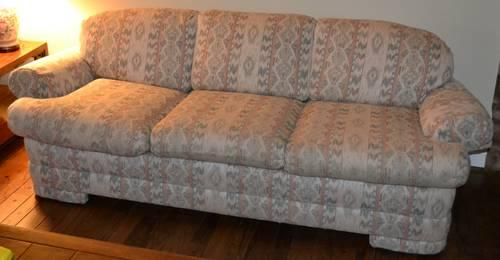 Nice Custom made Sofa made by Fine Designs