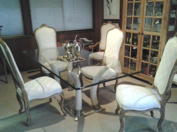 NICE Dining Table + 6 Chairs - $2500