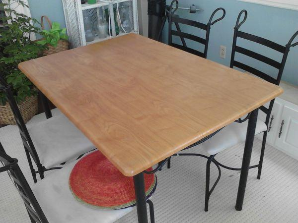 NICE Kitchen Table U0026 4 Chairs   $100 (Lexington)