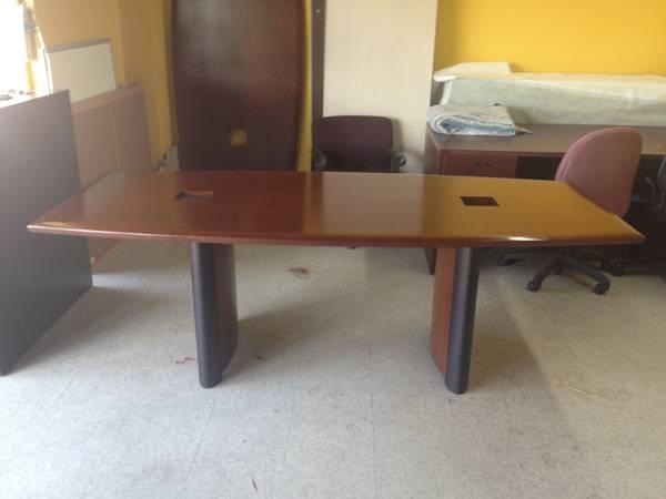 NICE SOLID WOOD 7 FEET CONFERENCE TABLE IN GOOD CONDITION For Sale In Houst