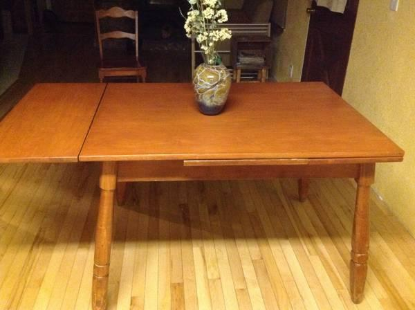 Nice Table With Pull Out Leaves, 6 Chairs   $150