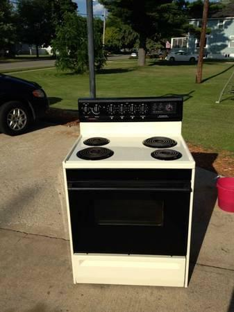 Nice Tappan Almond Electric Range Stove For Sale In