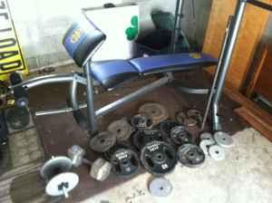 Nice Weight Bench  Full Weight Set - $100 Pullman, WA