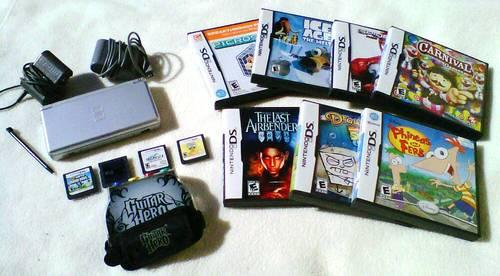 ~~~~**~~~~ SOLD: Nintendo DS Lite + 30 Childrens Games