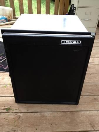 norcold refrigerator 3 way for pop up for sale in midland texas classified. Black Bedroom Furniture Sets. Home Design Ideas
