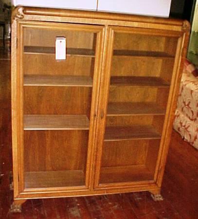 Oak 2 Door Claw Foot Bookcase For Sale In Louisville Kentucky Classified