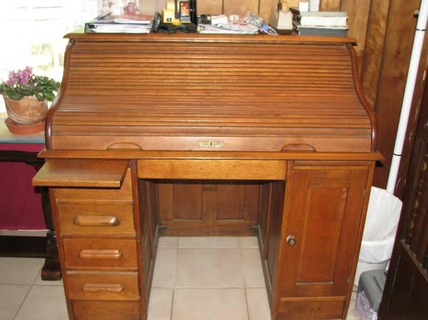 7da189154afdc Oak Antique Roll Top Desk 1800 s - for Sale in Saint Marys