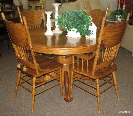 Oak Pedestal Base Dining Set - (Spring / North Houston) for Sale in Houston, Texas Classified ...